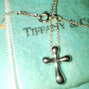 TIFFANY SMALL PERETTI CROSS ON TIFFANY/PERETTI CHA